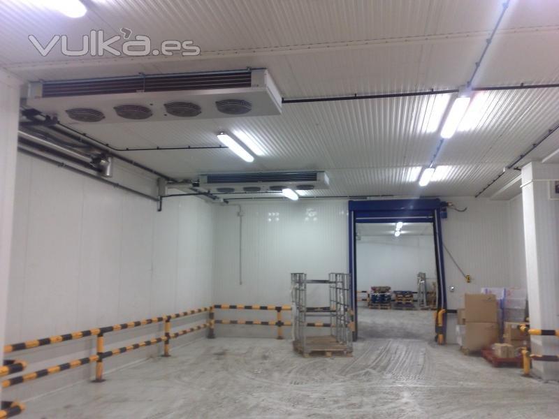 Fr o industrial instalaciones frigor ficas y el ctricas for Alquiler de equipos de aire acondicionado