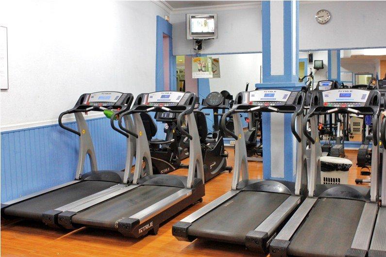 Gimnasio en forma banco para musculacion fitness for Gimnasio gym forma