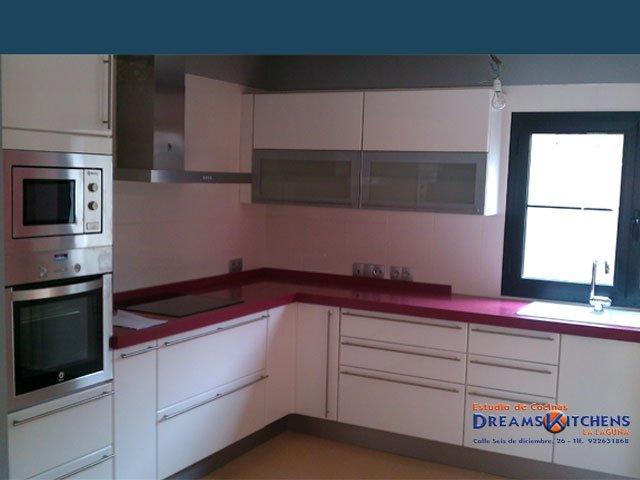 Estudio de cocinas muebles de cocinas cocinas for Muebles de cocina kuchen