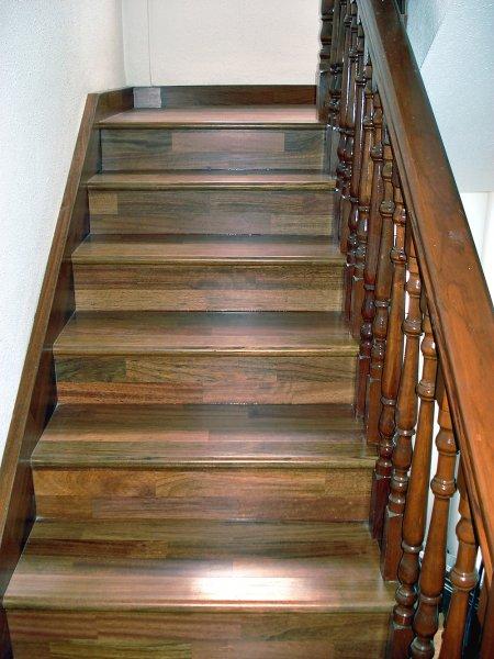 Escaleras de madera en tenerife escaleras de madera for Fabrica de escaleras de madera