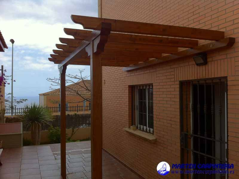 Pergolas de madera armarios pisos laminados en tenerife - Como construir un porche de madera ...