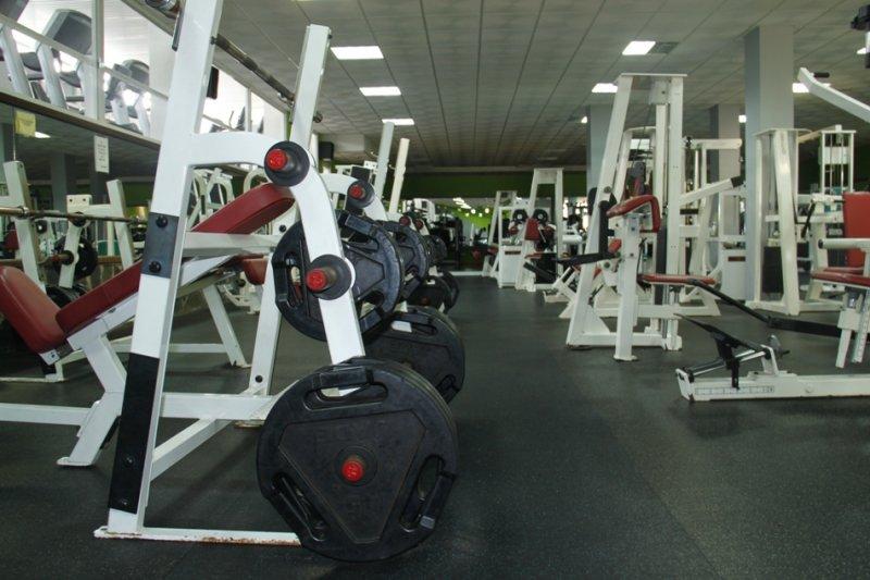 Gimnasio impacto gym gimnasios en candelaria guimar for Gimnasio musculacion