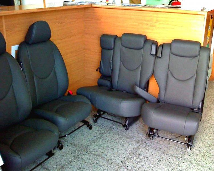 Tapizado de asientos de coche cmo limpiar la tapicera de - Asientos para sofas ...